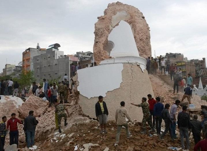صورة البرج التاريخى المنهار بعد انهياره