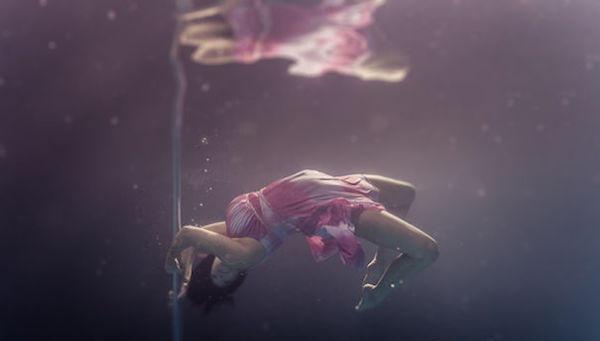 رقص تحت الماء