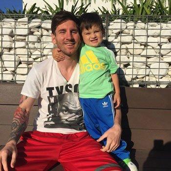 ميسى و ابنه