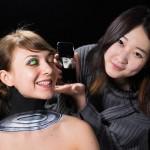 يابانية تدمج البشر والآلات2