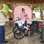 مسنان يقعان فى الحب