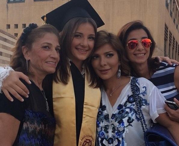 أصالة نصري في حفل تخريج ابنتها شام