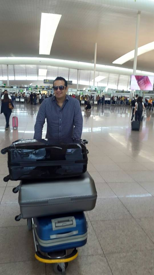 احمد سعيد يغادر إلى فرنسا