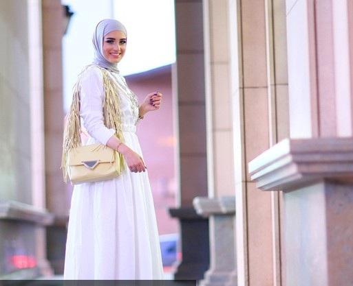 fe3867eb7 من أشهر مدونات الموضة المحجبات جمعت لك عدداً من الصور تستعرض طريقة  استثنائية لكل مدونة موضة مختلفة عن غيرها… أي الإطلالات أجمل؟