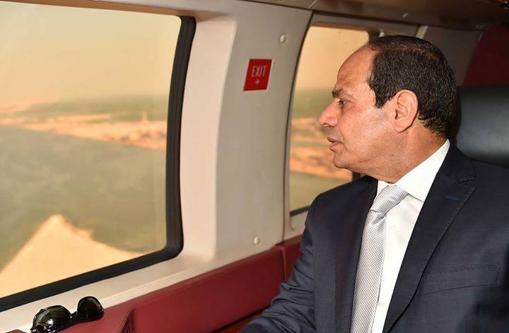 السيسى يتفقد قناة السويس جوا 3