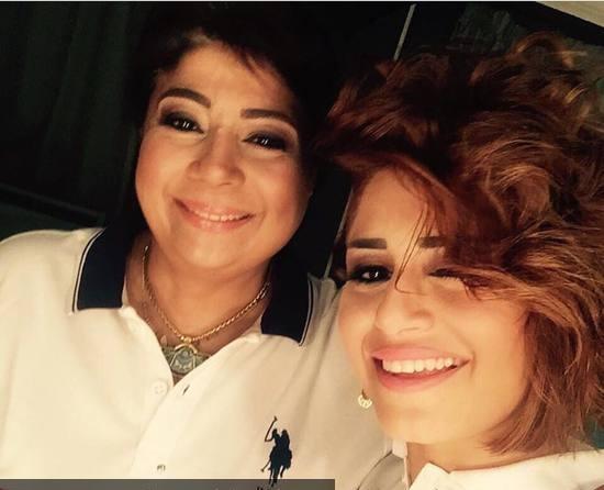 صورة-منة-فضالي-مع-والدتها-تثير-استغراب-جمهورها-1285519