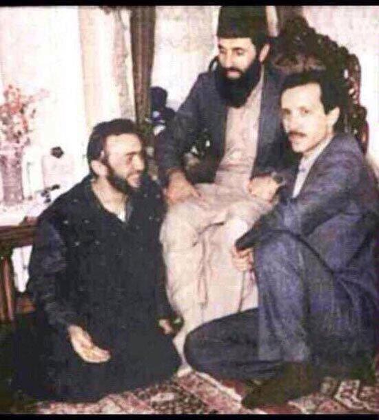 صورة نادرة لاردوغان و الغنوشى تحت اقدام حكمتيار
