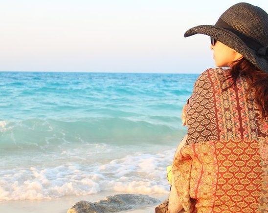 صور-روجينا-بملابس-بحرية-وبدون-مكياج-على-شاطئ-البحر-في-رحلة-استجمام-1285518