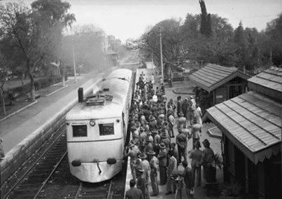 محطة قطار وترام المعادى فى الأربعينات وكان الخط من حلوان إلى باب اللوق