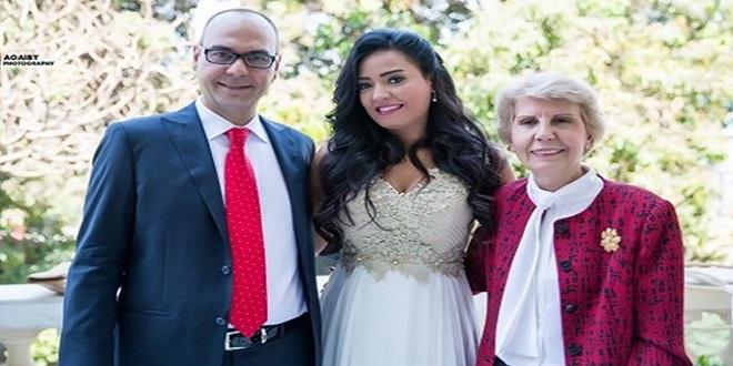 انجى عبد الله وزواجها من دبلوماسى تركى