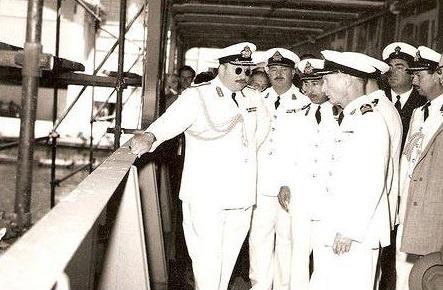 صور نادرة - الملك فاروق بالملابس البحرية على يخت المحروسة الملكى