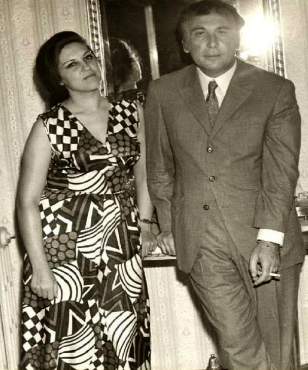 نزار قبانى مع زوجته العراقية بلقيس