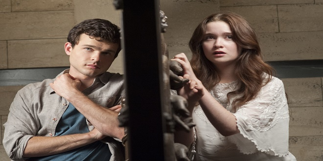 "(L -r) ALDEN EHRENREICH as Ethan Wate and ALICE ENGLERT as Lena Duchannes in Alcon Entertainment's supernatural love story ""BEAUTIFUL CREATURES,"" a Warner Bros. Pictures release."