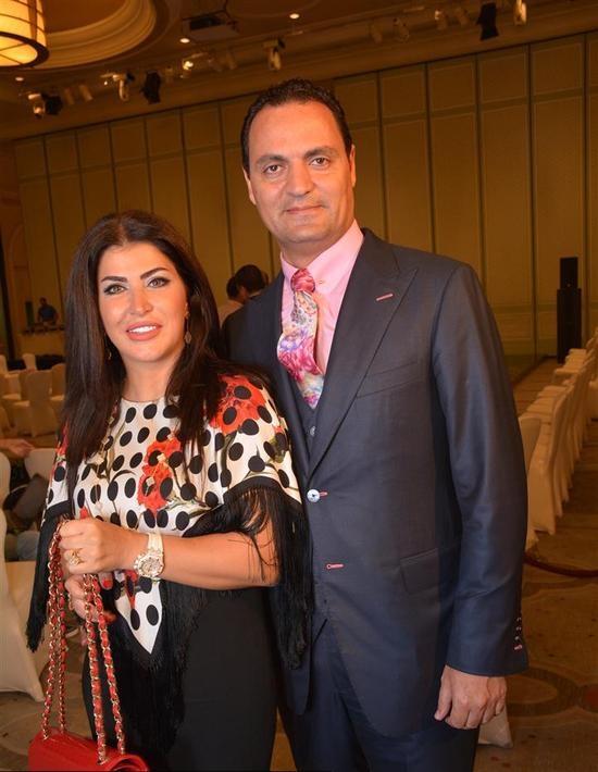 صور-إطلالة-لجومانا-مراد-مع-زوجها-بعد-عمليات-التجميل-تجعل-التعرف-عليها-صعباً-1306642