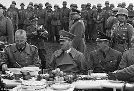 هتلر 77