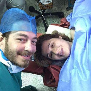 أحمد زاهر وزوجتة