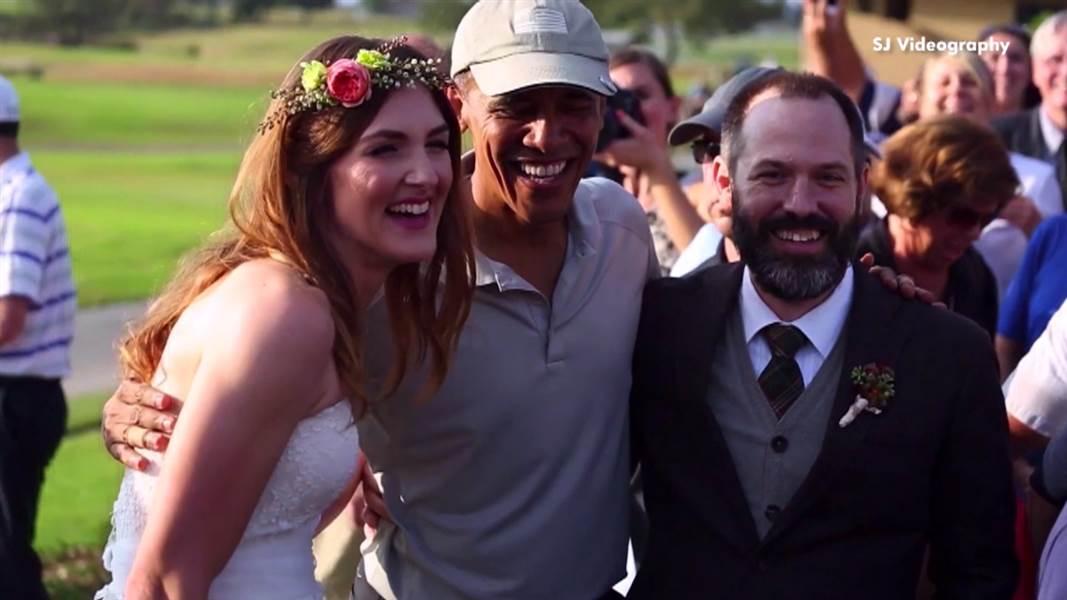 باراك-أوباما-يجد-نفسه-فجأة-وسط-حفل-زفاف-11