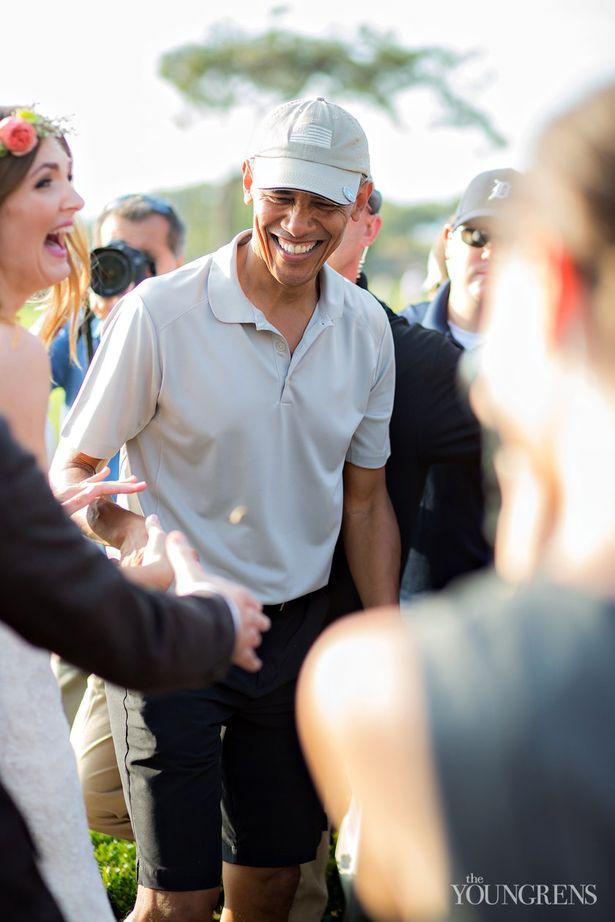 باراك-أوباما-يجد-نفسه-فجأة-وسط-حفل-زفاف-2