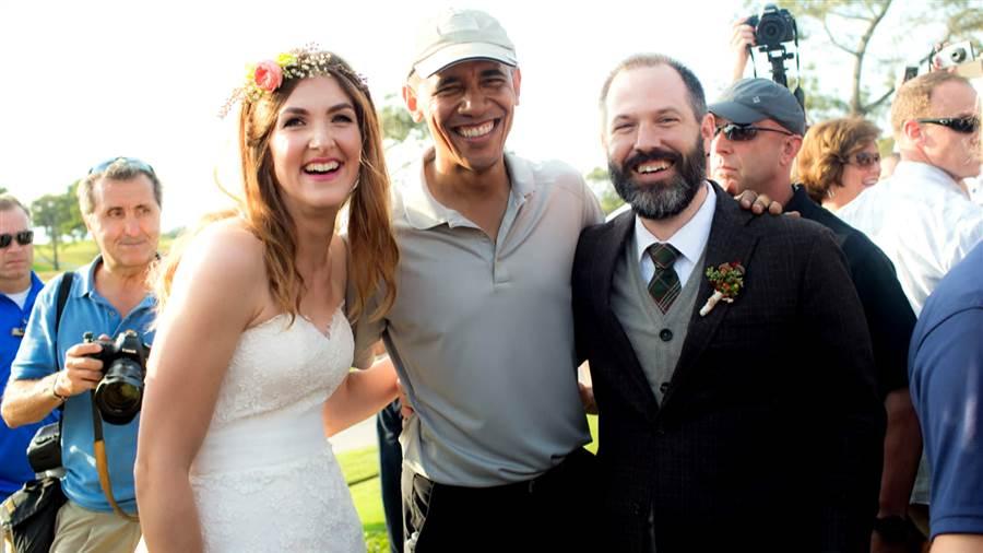باراك-أوباما-يجد-نفسه-فجأة-وسط-حفل-زفاف-8