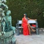 بالصور.. جويل متألقة بالأحمر والأزرق فى باريس