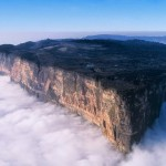 Roramia Mountain Towers above clouds Venzuela