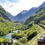 أجمل-10-رحلات-قطار-في-العالم....مشاهد-لا-تنسى-1338638