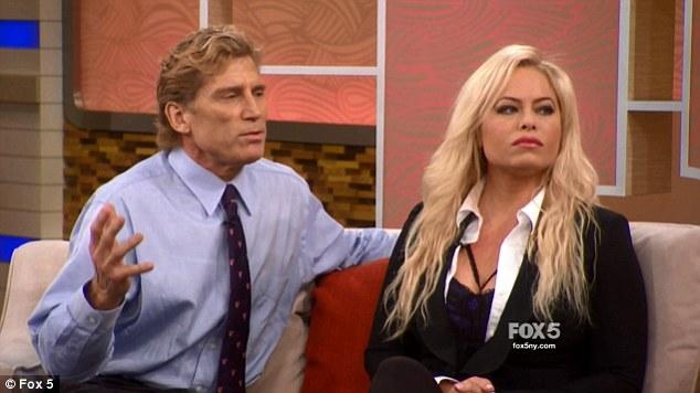 اماندا بروس مع طبيب تشين النفسى