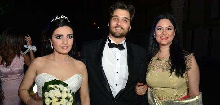 عمر خرشيد وعروستة