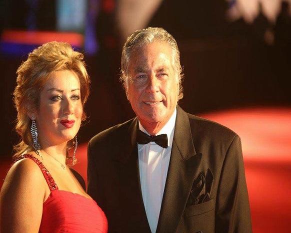 مصطفى وزوجته