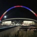 معالم العالم تكتسى بالوان علم فرنسا