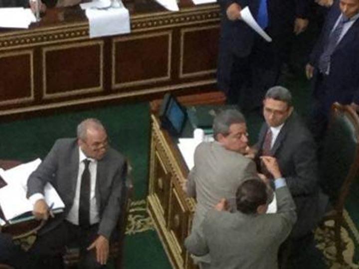 الاعتداء على توفيق عكاشة بمجلس النواب