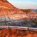 رحلات القطار الكندى