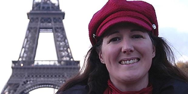 الفرنسية أريكا لاتور التى تزوج برج ايفل