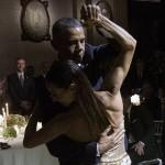 اوباما يرقص تانجو مع ارجنتينية حسناء