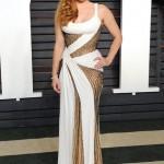 Amy Adams في فستان من Versace