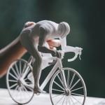 مجسمات ورقية لرياضيين