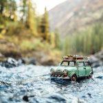 رحلة حول العالم بسيارات صغيرة
