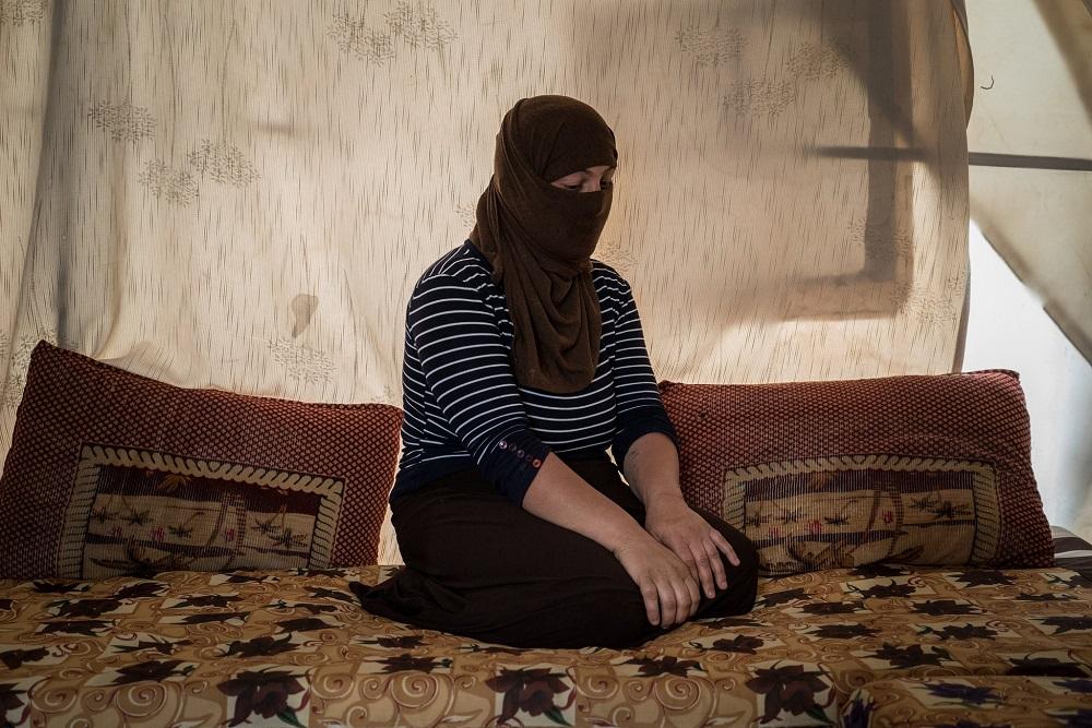 صورة الفتاة التى عرضها داعش للبيع
