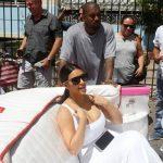 كيم كارداشيان تتنزه فى كوبا