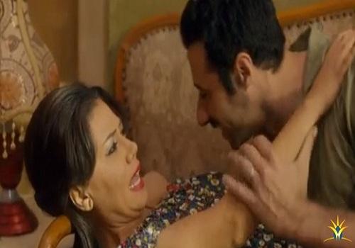 احمد السعدنى يحاول الاعتداء على رانيا يوسف