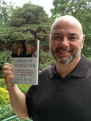 جارى بيرن مع كتابه