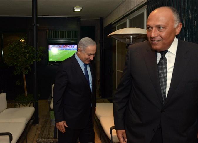 نتانياهو وشكرى يتابعان نهائى اليورو