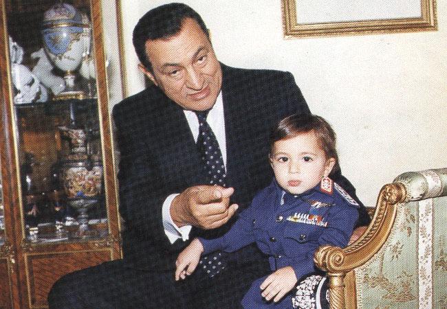 حسنى مبارك وحفيده