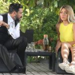 سارة سلامة ومحمد رجب في مشهد من صابر جوجل