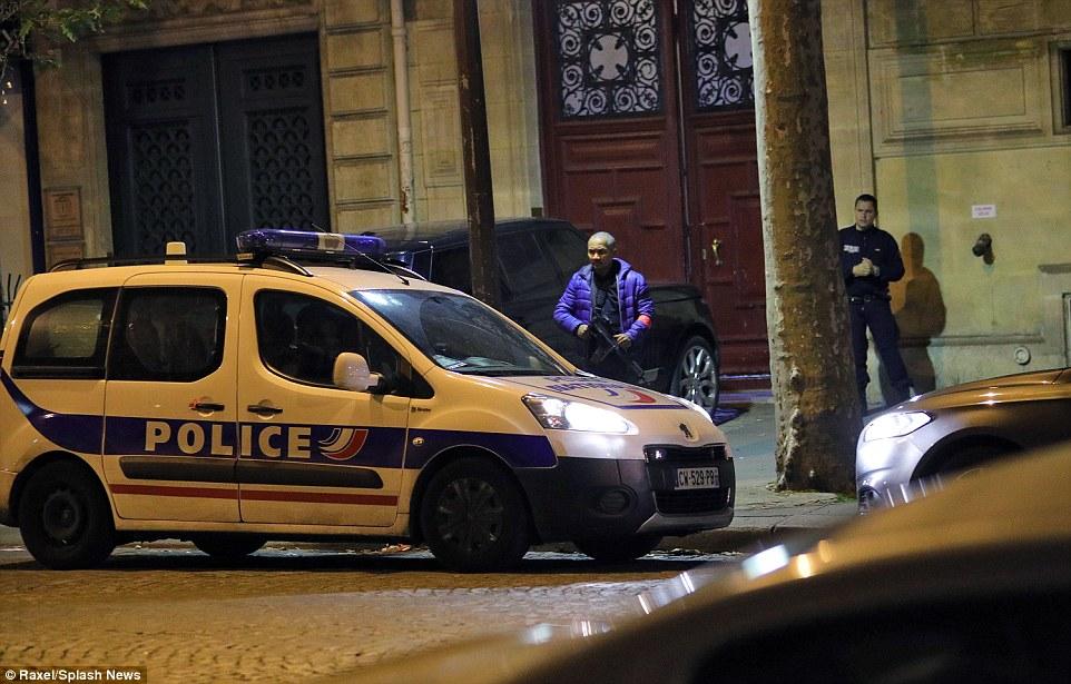 الشرطة تطوق الفندق