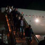 نزول ركاب طائرة مصر للطيران بلاجوس