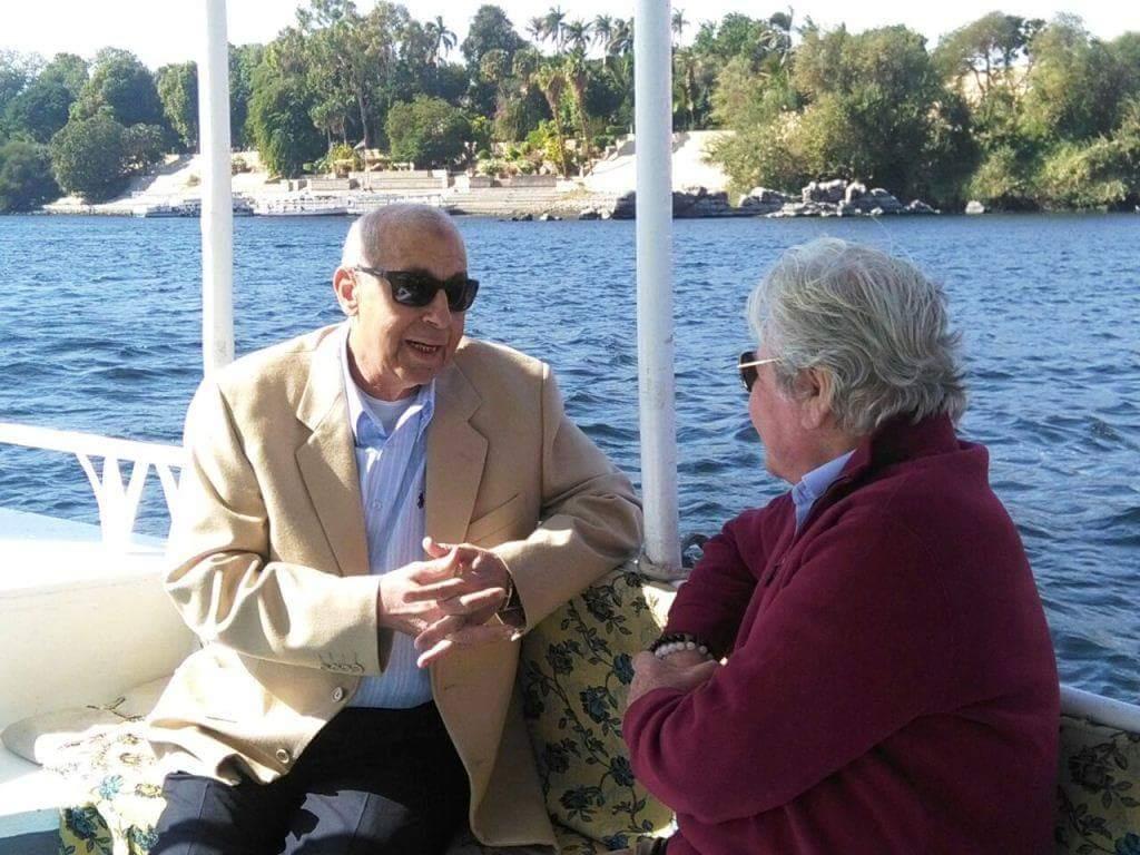 حسين فهمى ومحافظ أسوان